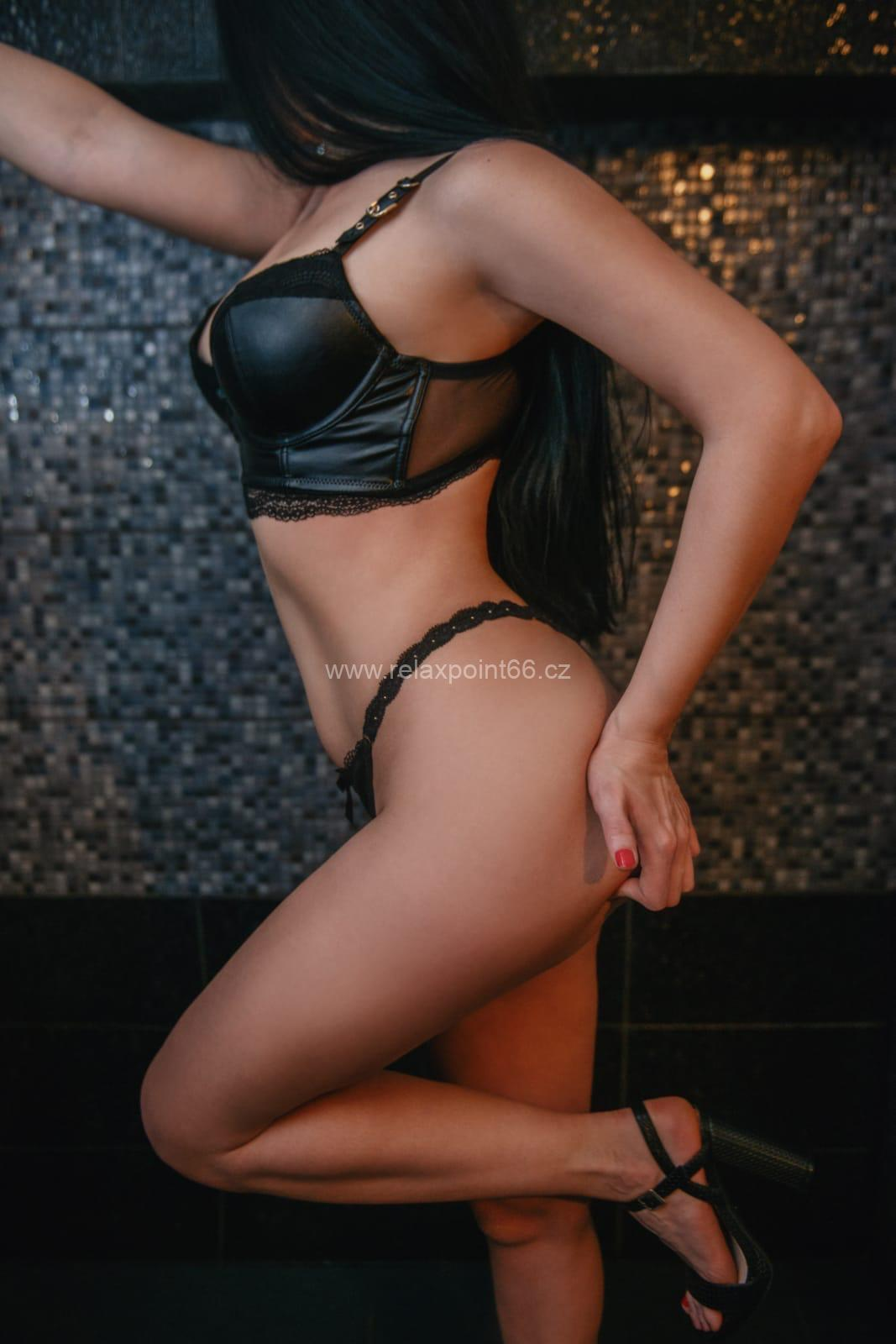 Katana Erotic Tantra massage Prague
